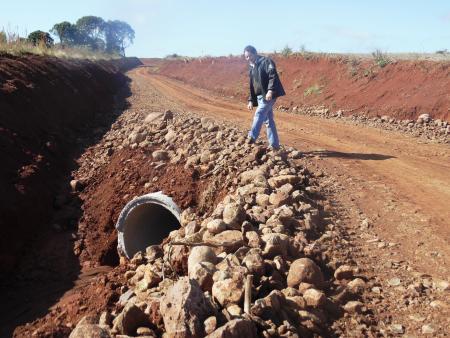 Secretaria de Obras realizou melhorias em estradas na Localidade de Rincão do Tigre