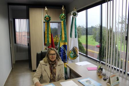 VICE - PREFEITA ASSUME INTERINAMENTE O EXECUTIVO
